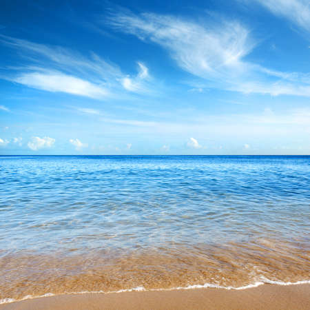 взморье: Beautiful seashore with calm cristal clear water