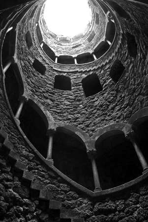 quinta: Masonic Initiation Well in Quinta da Regaleira, Sintra - Portugal