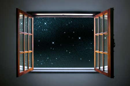 noche estrellada: Habitaci�n amplia ventana abierta a un cielo nocturno estrellado tranquila y clara Foto de archivo