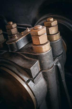 tornillos: Detalle de una máquina mecánica industrial de la vendimia Foto de archivo