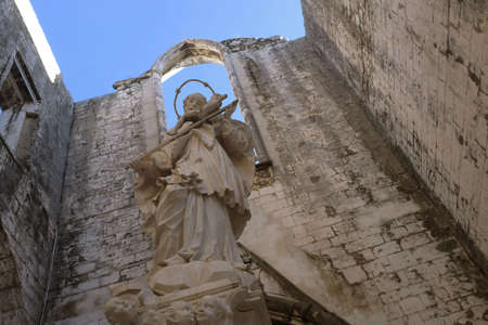 carmo: Detail of the ruins of old Carmo Convent destroyed in the Lisbon earthquake of 1755. Today it is a museum. Stock Photo