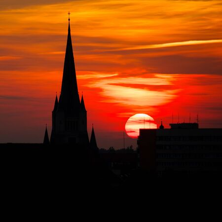 Sunshine church contour photo