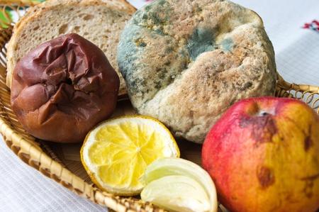 decomposed: Lote de alimentos no comestibles de edad