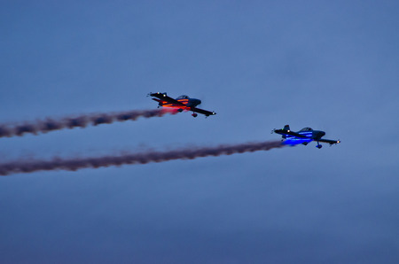 synchronize: Night show on the airshow