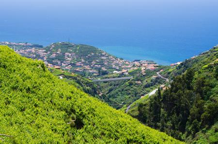 "Amplia vista desde ""Levada do Norte"", isla de Madeira, Portugal Foto de archivo"