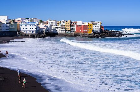 Puerto de la cruz - Tenerife, Spain Zdjęcie Seryjne - 131506432