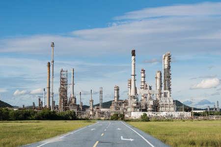 industria petroquimica: potencia la industria petroquímica con la carretera de asfalto Editorial