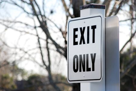 ende: traffic road sign, parking lot