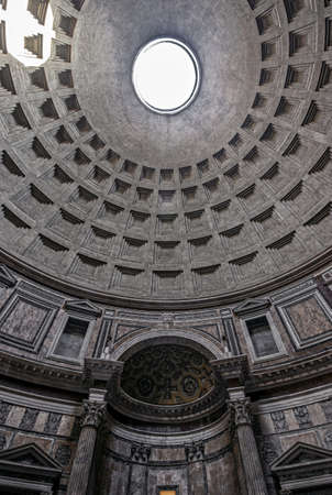 Hole in ceiling of pantheon in Rome