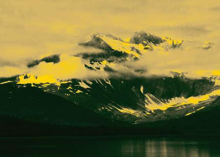 arbitrario: una foto de Alaska, visto desde el paso de Inside, alterado, a continuaci�n, con los colores de degradado arbitrarios.  Foto de archivo