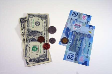 US-Dollar und mexikanische pesos Standard-Bild - 8079927