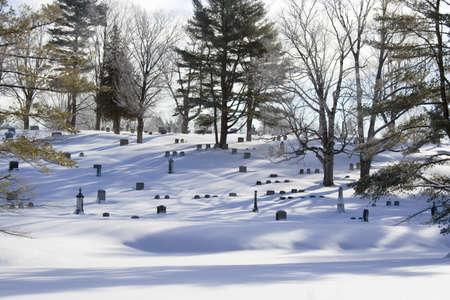 Wintertime in cemetary Standard-Bild