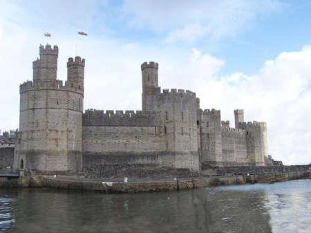 castillos: Caernarfon castillo del Norte de Gales Foto de archivo