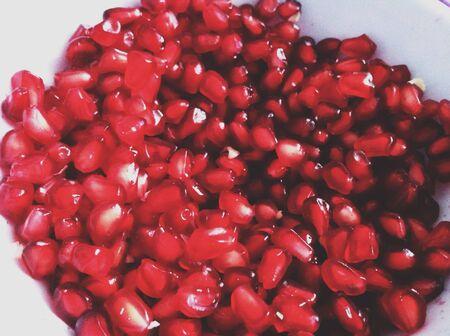 Pomegranate jewels.  版權商用圖片
