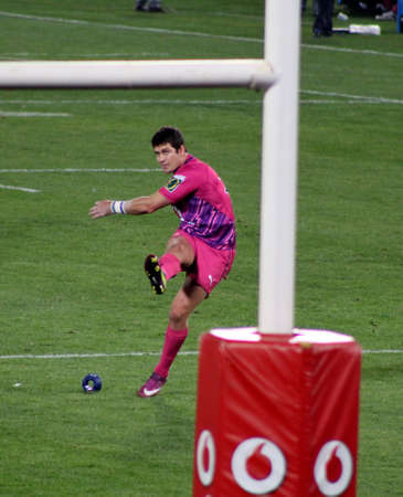 fighting cancer: Rugby, Morne Steyn, Bulls, in Pink jerseys in support of fighting cancer, kicking to poles after try scored, Stormers v Bulls, Super Rugby, Loftus Versfeld, Pretoria , South Africa, 2 June 2012