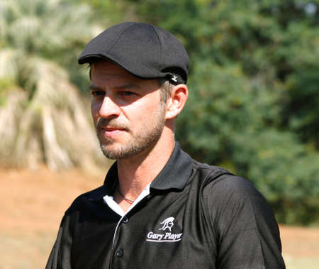 carmine: GIOVINAZZO, CARMINE - 17 novembre: Attore Ospite Player Giocare al Gary Player Invitational Charity Golf Tournament 17 novembre 2013, Sun City, Sud Africa. Carmine foto ritratto. Editoriali