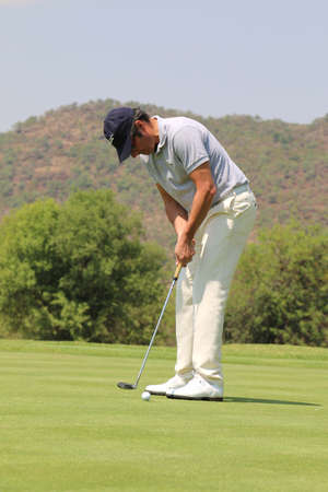 birdie: VAN DE VELDE, JEAN - NOVEMBER 15: Pro Golfer Playing at Gary Player Charity Invitational Golf Tournament putting for a birdie on November 15, 2015, Sun City, South Africa. Editorial