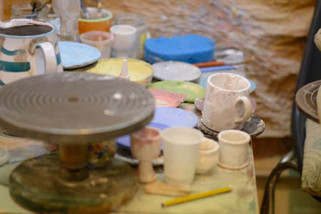 craftswoman: laboratory for the production of ceramics