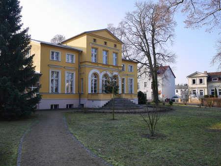dramatist: Exterior facade of the Gerhart Hauptmann, a famous dramatist and novelist, museum in Erkner, Brandenburg, germany