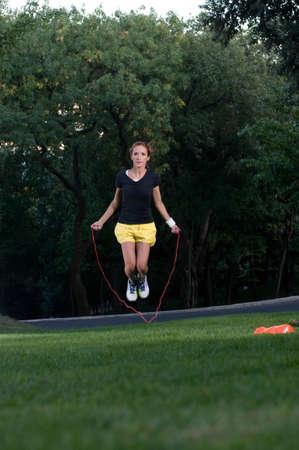 saltar: saltar la cuerda