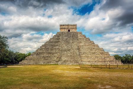 El Castillo, Temple of Kukulcan, Chichen Itza, Yucatan District, Mexico Reklamní fotografie