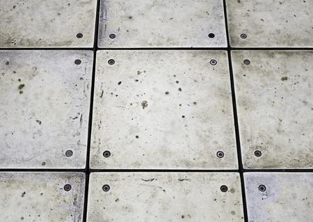 Glänzendes Metall mit Schrauben, Bau und Architektur