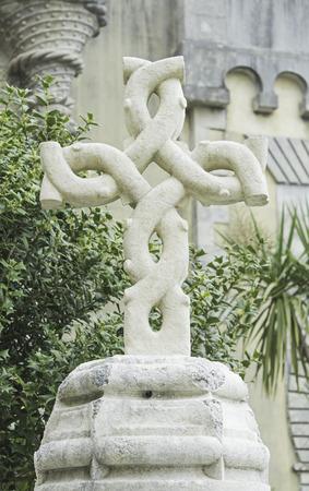 Croce di pietra intrecciato Palazzo di Sintra, religione Archivio Fotografico - 29813968