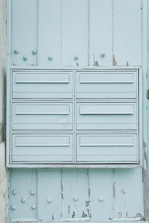 bioedilizia: Mailboxes in urbano verde costruzione, costruzione Archivio Fotografico