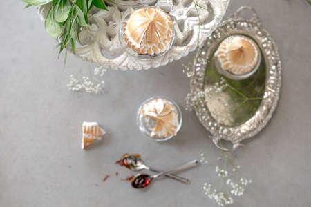 pinky: White Creat Cupcake