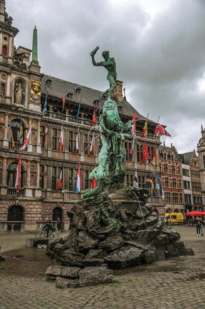 Antwerp, Northern Belgium - July 02, 2017. Brabos's Monument at the Grote Market Square in Antwerp. Port and multicultural city, it is known as one of the main gateways for goods in Europe. Sajtókép