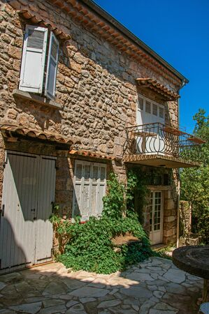 View of house in alley at the quiet and graceful village of Sillans-la-Cascade, on the way to Draguignan. Located in the Provence region, Var department, southeastern France Zdjęcie Seryjne