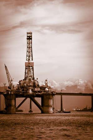 oil platform: Petroleum plataform on the Guanabara bay in the city of Rio de Janeiro Editorial
