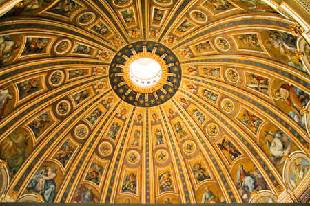 pietro: Ceiling detail of the dome at the Basilica di San Pietro in Rome, Italy.