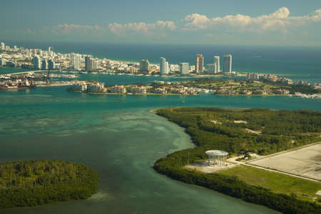 fisher: Aerial view of Fisher Island in Miami, U.S.A.