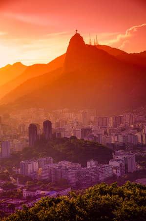 Luftaufnahme der Gebäude am Strand, Botafogo, Guanabara Bay, Rio De Janeiro, Brasilien Standard-Bild - 21577331