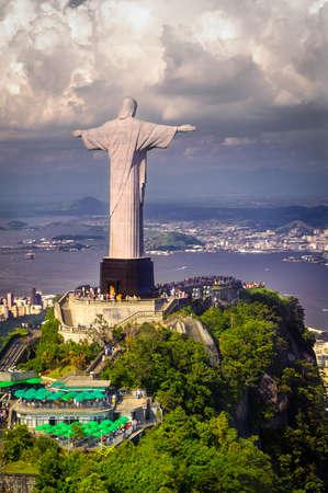 La estatua del Cristo Redentor en la cima del Corcovado, R�o de Janeiro, Brasil
