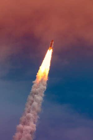 アトランティスの STS-135 ケープ ・ カナベラル、フロリダ、米国 NASA ケネディ宇宙センターでの打ち上げ