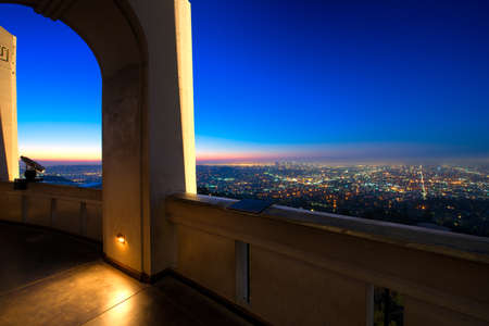 City of Los Angeles as seen from the Griffith Observatory at dusk, Los Angeles County, California, USA Standard-Bild