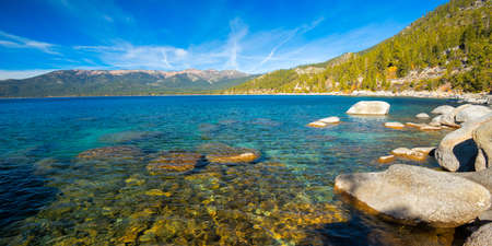 Rocks at the lakeside, Lake Tahoe, California, USA Standard-Bild
