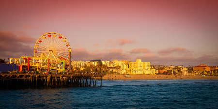 観覧車桟橋、サンタ モニカー ピア、サンタモニカー、ロスアンジェルス郡、カリフォルニア、米国