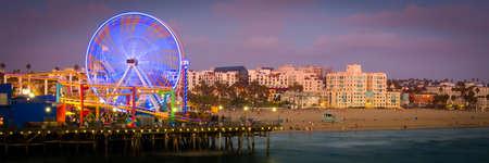 Ferris wheel on Santa Monica Pier, Santa Monica, Los Angeles County, California, USA 版權商用圖片