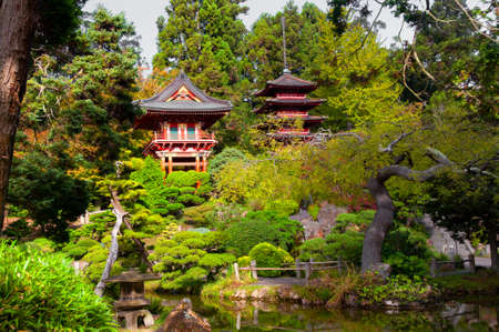 Pagoden in Japanese Tea Garden, San Francisco, Kalifornien, USA Standard-Bild - 25433086
