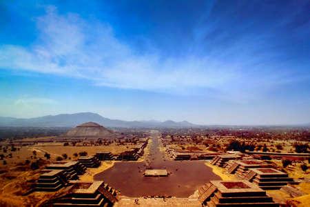 テオティワカンはメキシコシティの広大なメキシコ考古学複雑な北東 写真素材