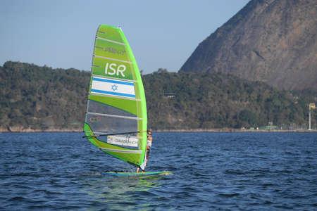 리우데 자네이루, 브라질 - 2016 년 8 월 14 일 : Maayan DAVIDOVICH (ISR), Rio 2016 올림픽 게임의 여성 rx x 릴레이 중