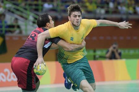 terrain de handball: Rio, Brazil - august 13, 2016: Haniel LANGARO during Handball game Brazil (BRA) vs Egypt (Egy) in Future Arena in the Olympics Rio 2016