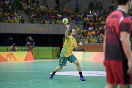 terrain de handball: Rio, Brazil - august 13, 2016: Henrique TEIXEIRA during Handball game Brazil (BRA) vs Egypt (Egy) in Future Arena in the Olympics Rio 2016