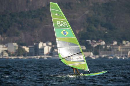 리우데 자네이루, 브라질 - 2016 년 8 월 14 일 : 리오 2016 올림픽 게임의 여성 rs-x medley 릴레이 중 패트릭 프리츠 (BRA)