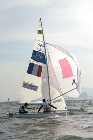piscina olimpica: Rio de Janeiro, Brazil - august 15, 2016: BOUVET Sofian (Helm) MION Jeremie (Crew) during mens 470 class sailing on the Rio 2016 Olympics Games Editorial