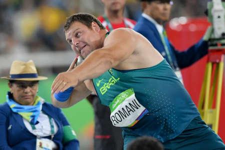 Rio de Janeiro, Brasil - 18 de agosto de 2016: Darlan ROMANI (BRA) durante la final de lanzamiento de peso de los hombres en los Juegos Olímpicos de Rio 2016 Editorial
