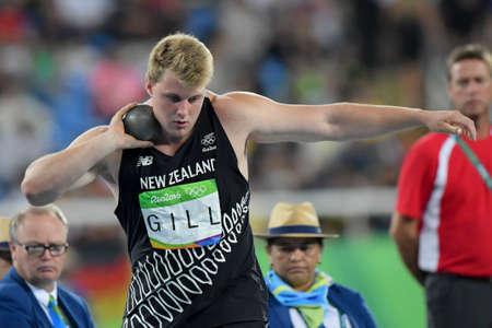 Rio de Janeiro, Brasil - 18 de agosto, 2016: Jacko GILL (NZL) durante la final de lanzamiento de peso de los hombres en los Juegos Olímpicos de Rio 2016